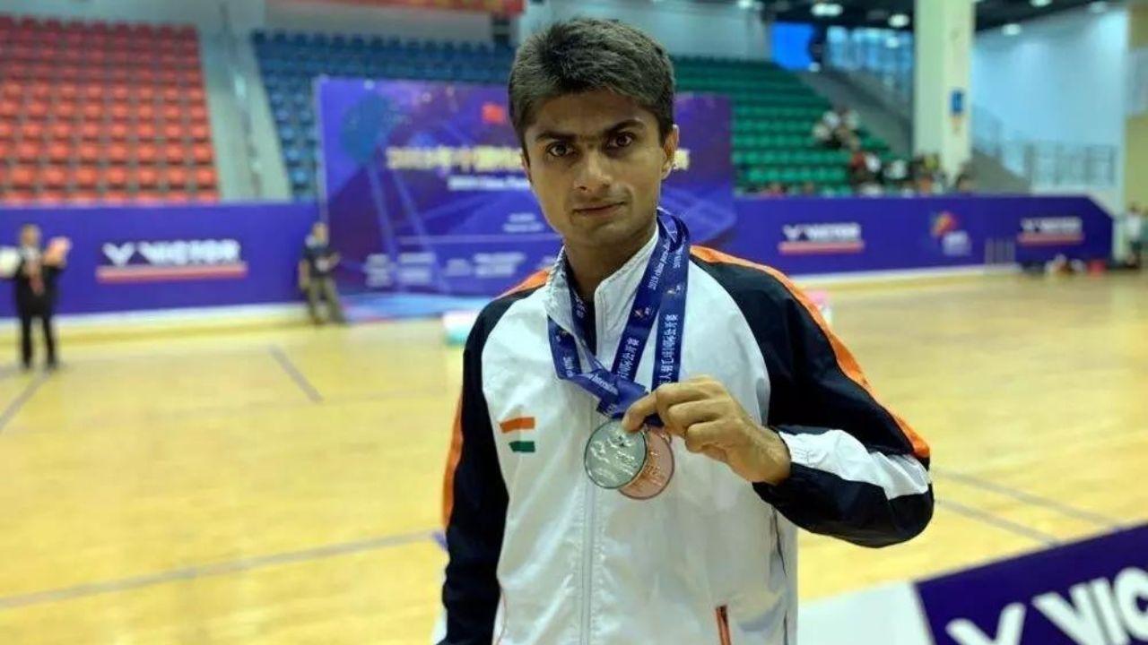 Noida IAS Officer in Paralympic : देश के इकलौते DM जो Paralympic में भारत का करेगा प्रधिनितव