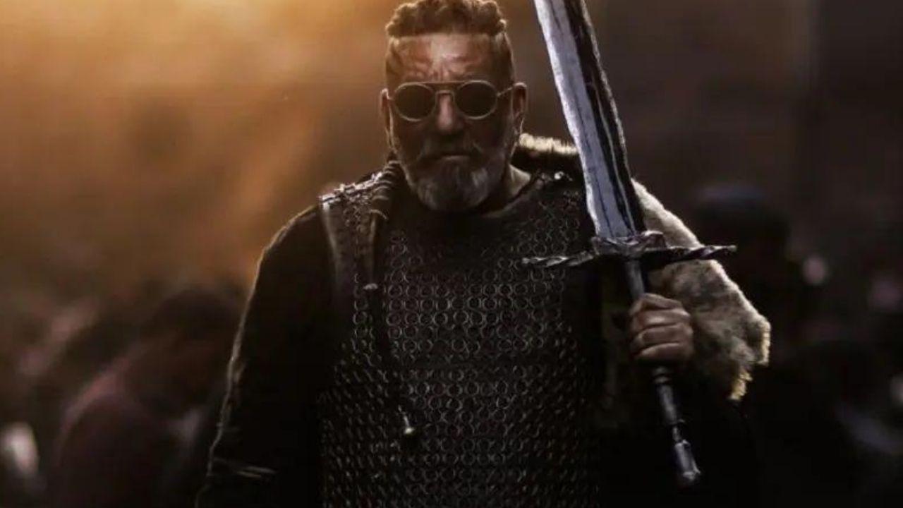 KGF 2: Sanjay Dutt के नए पोस्टर से ट्विटर पर फैंस हुए पागल, बोले 'जी हां, ये है खलनायक...'