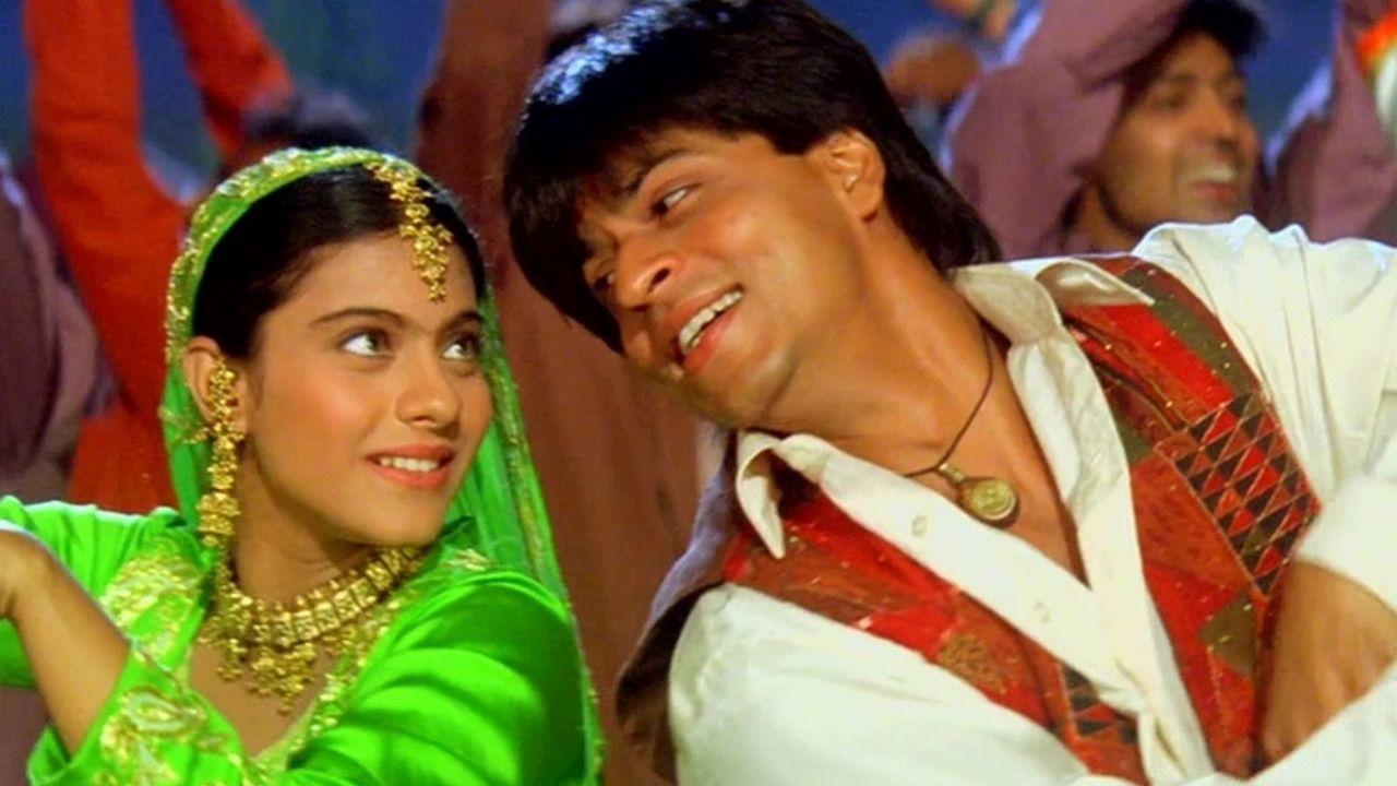 शाहरुख खान-काजोल के हिट गाने 'मेहंदी लगा के रखना' को इस शख्स ने किया अंग्रजी अनुवाद, वायरल हुआ वीडियो