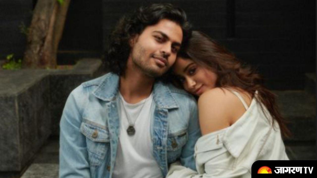 Janhvi Kapoor says 'I Love You' to her Rumoured Boyfriend, calls him World's Best Human.