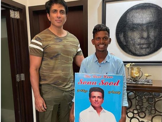 Sonu Sood fan walk  thousand kilometers barefoot from Hyderabad to Mumbai to meet the actor
