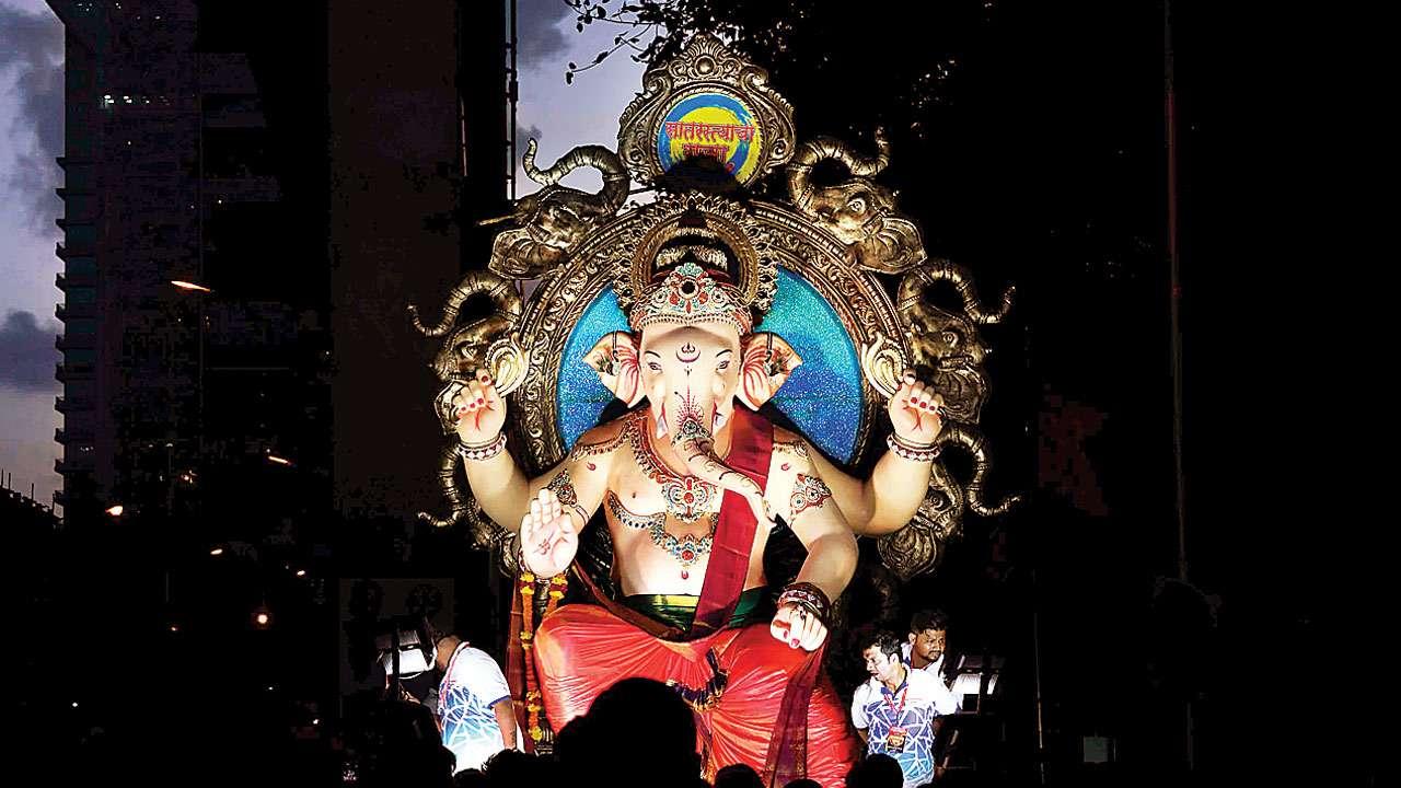 Happy Ganesh Chaturthi 2021: अमिताभ बच्चन, हेमा मालिनी और अन्य सेलेब्स ने फैंस को दी गणेश चतुर्थी की शुभकामनाएं