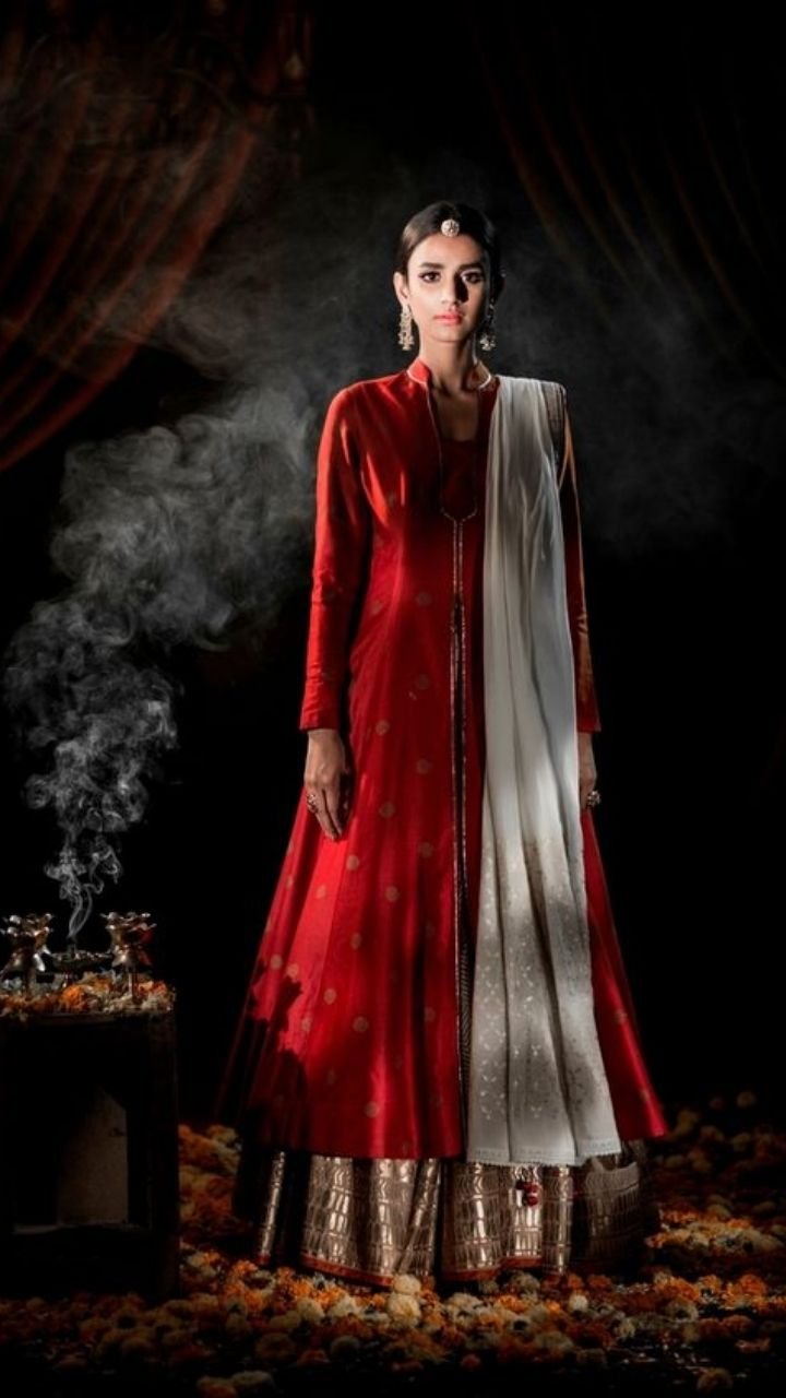 Bollywood inspired Karwa Chauth outfits: 2021