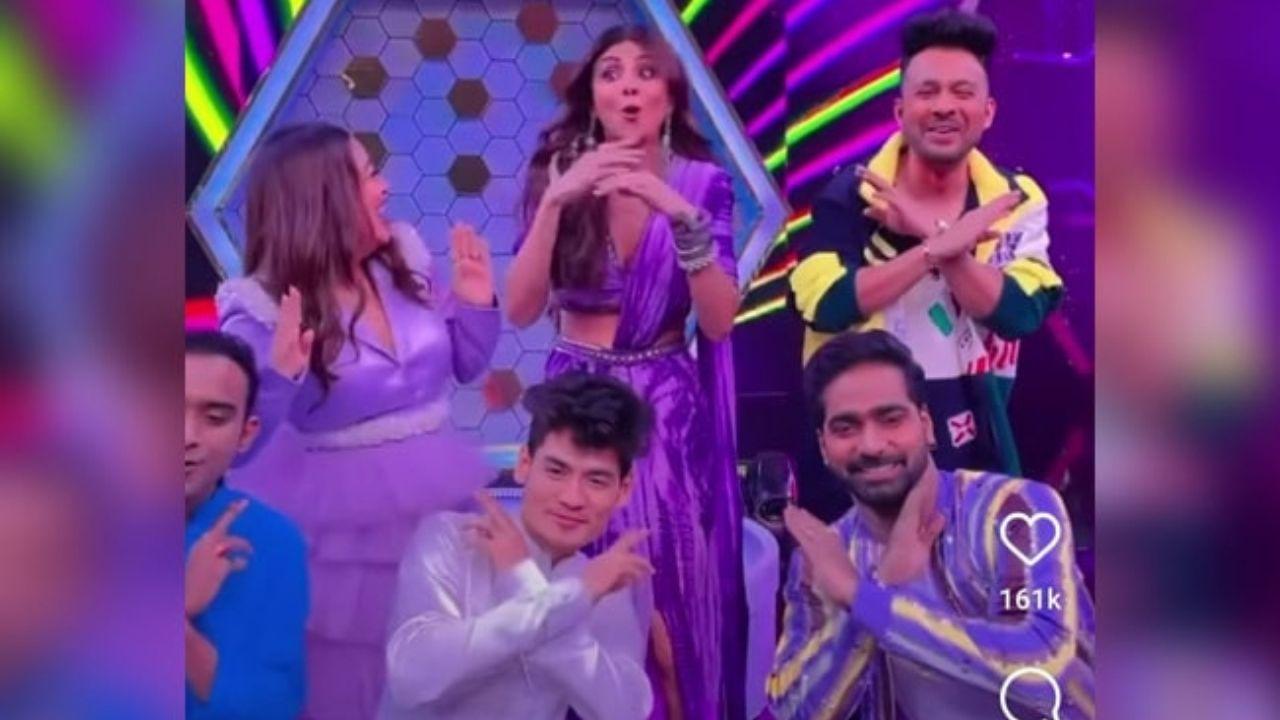 'Kanta Laga' गाने पर देखें शिल्पा शेट्टी का देसी स्वैग, नेहा और टोनी कक्कड़ के साथ थिरकीं- Watch Video
